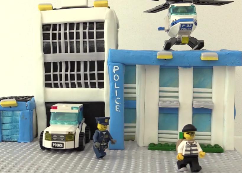 Torta in stile LEGO